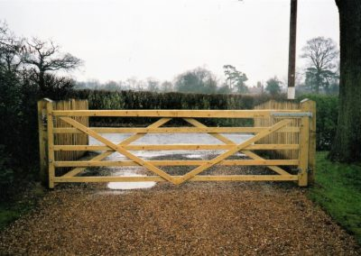 5 bar field gate