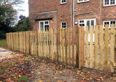 Wood palisade fencing